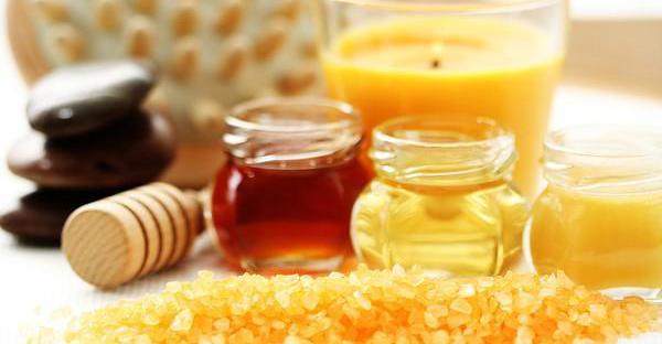 Exfoliante para piel seca de miel, aceite de oliva y azúcar moreno.
